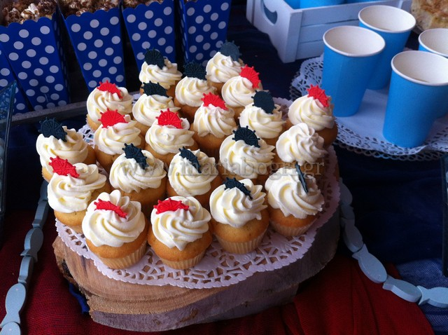 BOY-CUP-CAKES-NAVY
